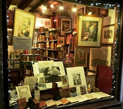 A window store front of a rare book store